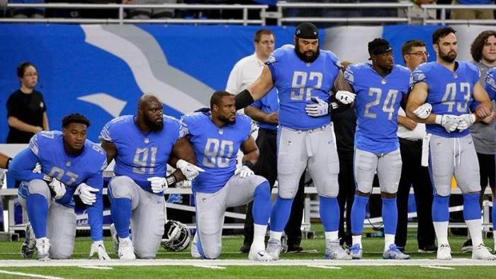 Trump pide castigar a los jugadores de la NFL que se arrodillan al sonar el himno