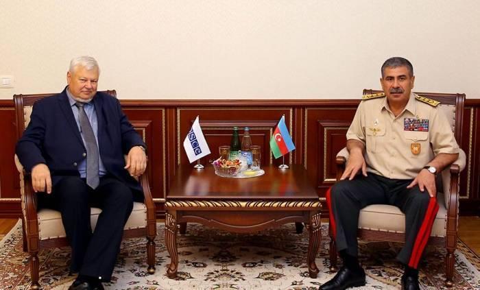 Zakir Hassanov a rencontréKasprzyk