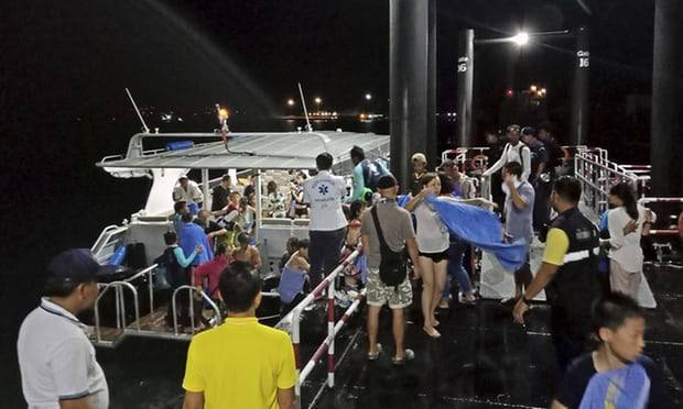 Thailand: at least 21 dead after Phuket tourist boat capsizes