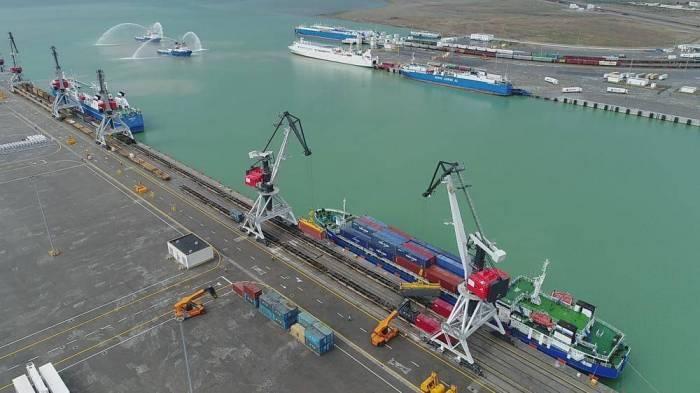 Baku port transships 2 million tons of cargo for 1H2018