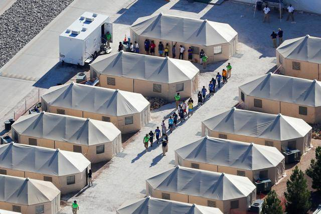 Tech issues plague U.S. web portal tracking separated children