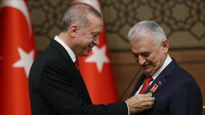 Turquie:Binali Yildirim reçoit la plus haute distinction nationale turque