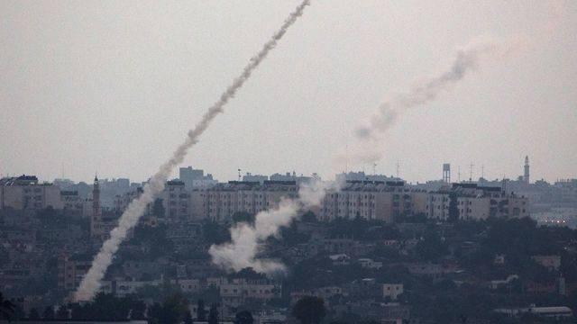 Gaza : raids israéliens, suivis de tirs palestiniens de roquettes contre Israël