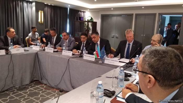 Azerbaijan proposing to hold international forum on e-commerce