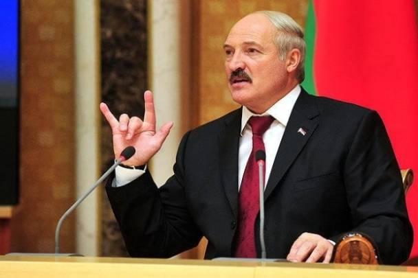 Lukaşenko əyyaş məmurları işdə qovdu