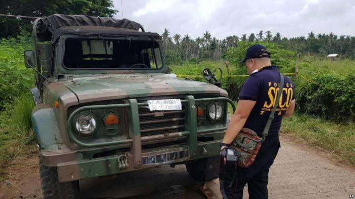 Car bomb kills at least 10 in Philippines