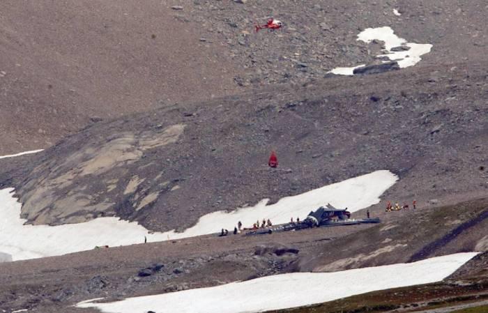 Alp dağlarında təyyarə qəzası -