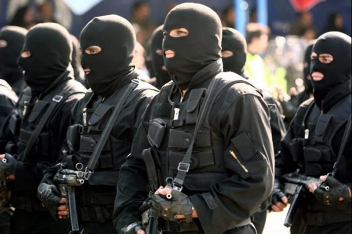 Iran's intelligence ministry foils two terrorist plots