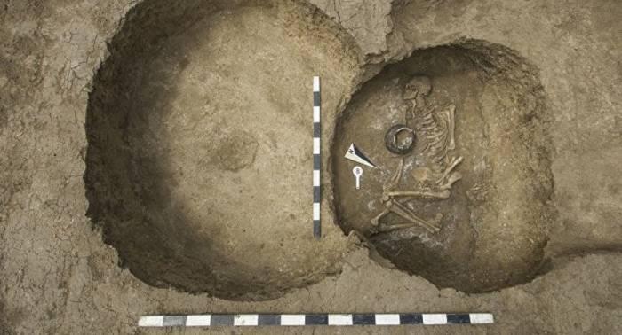 1000 Jahre älter als Ägyptische Pyramiden: Grab in Russland gibt Rätsel auf