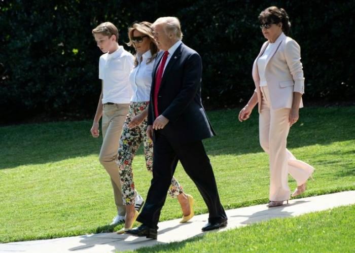 Los padres de Melania Trump son ahora ciudadanos de EEUU