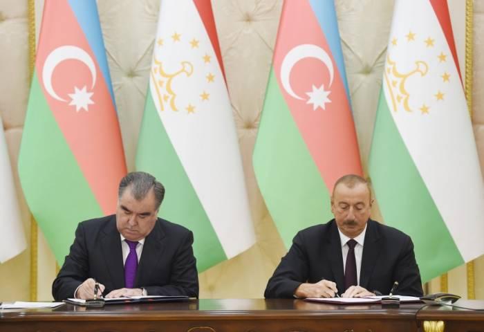 Aserbaidschan und Tadschikistan unterzeichnen eine Reihe von Dokumenten