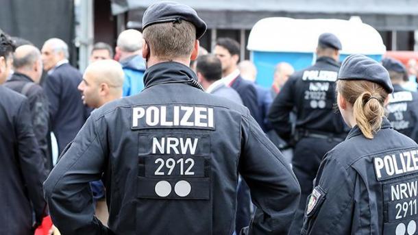 Bonn: Deutscher Rassist bedroht türkische Mutter und Sohn mit dem Tod