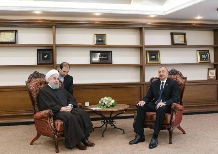Aktaou: le président Aliyev s'est entretenu avec Hassan Rohani