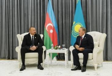 الرئيس إلهام علييف يجتمع بنظيره الكازاخستاني نور سلطان نزربايف في أكطاو