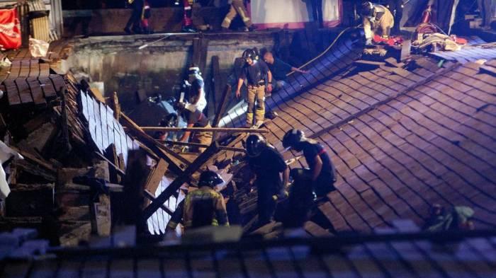 España: 266 heridos al derrumbarse unmuelle de madera durante un concierto