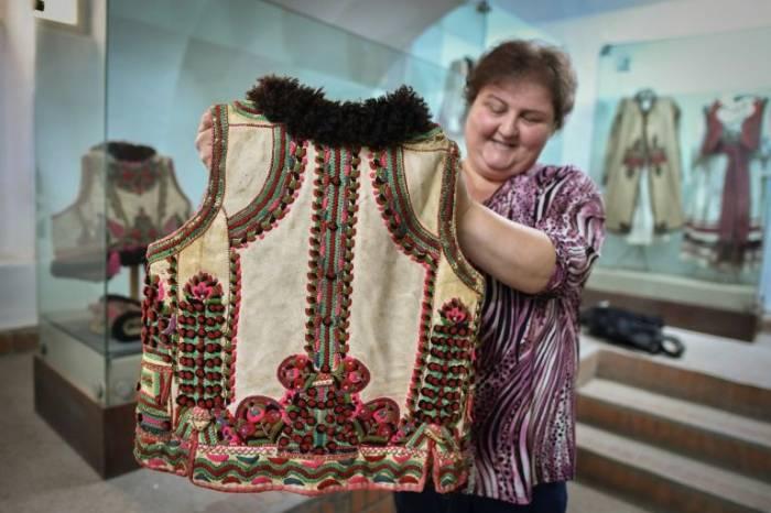 """El chaleco que Dior """"copió"""", un golpe de suerte para los artesanos rumanos"""