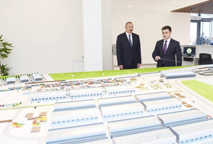 Präsident Aliyev nimmt an Eröffnung von Abscheron Logistikzentrum teil