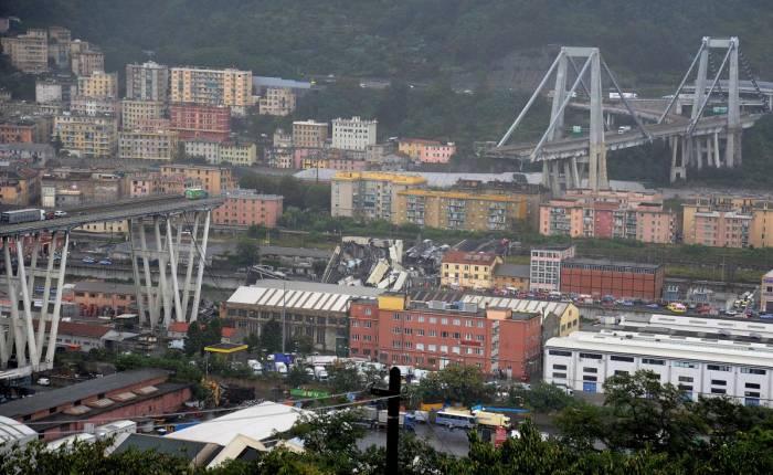 At least 35 dead as motorway bridge collapses near Genoa, Italy -VIDEO