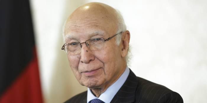 """Sartaj Aziz: """"Las relaciones de Islamabad con Bakú están mejorando constantemente"""""""