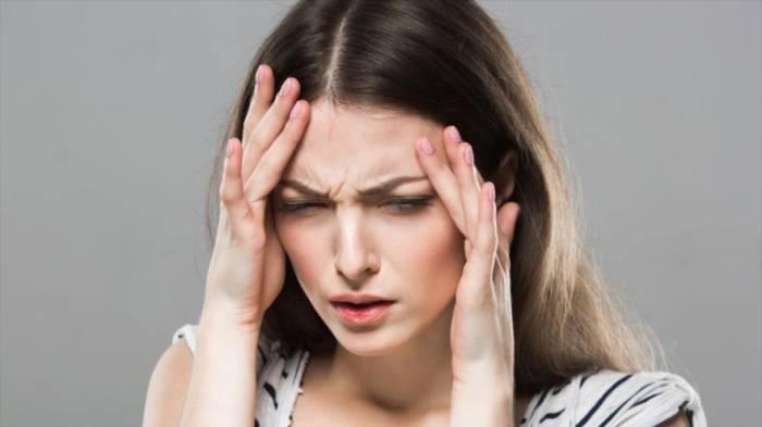 Descubren por qué mujeres padecen más de migraña que los hombres