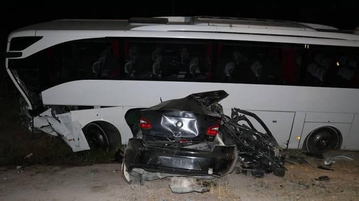 AKP heyəti qəzaya düşdü: 5 ölü, 18 yaralı var