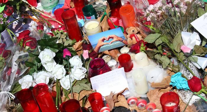 Las flores vuelven a las Ramblas de Barcelona un año después de los atentados
