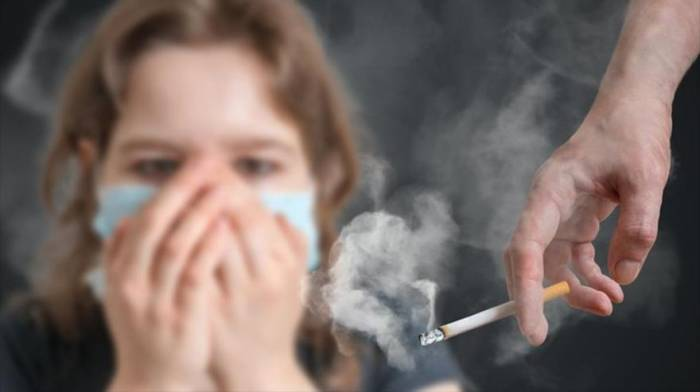 Respirar humo de tabaco aumenta riesgo de artritis reumatoide