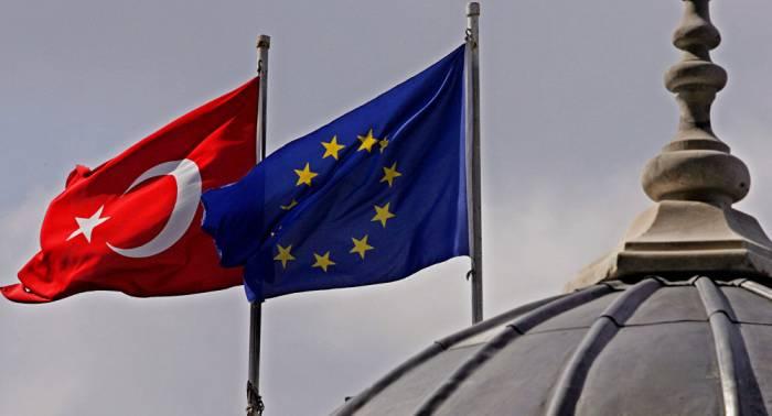 Turquía ve progreso en las relaciones con la UE en medio de la crisis con EEUU