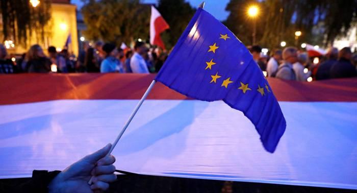 Organismo judicial de la UE propone suspender la membresía de Polonia