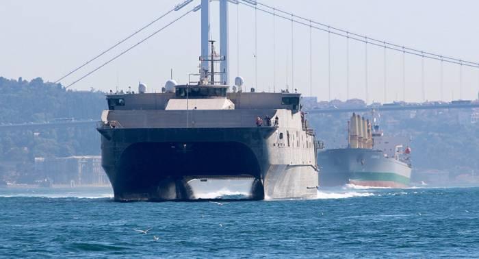 Platz für 312 Soldaten: US-Schnelltransporter läuft ins Schwarze Meer ein
