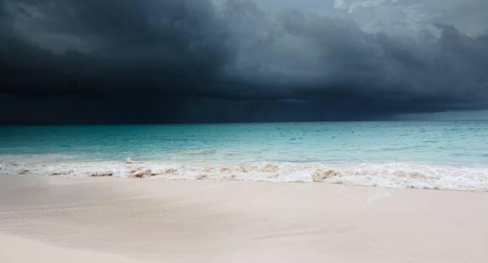 La tormenta tropical Lane se intensifica a huracán de categoría 3