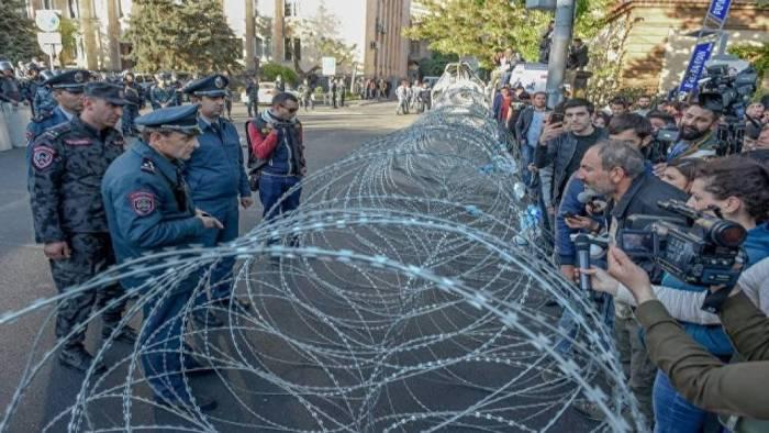 """""""Siyasi mübarizə Ermənistanın məhvinə səbəb olacaq"""" - Erməni ekspertlər"""