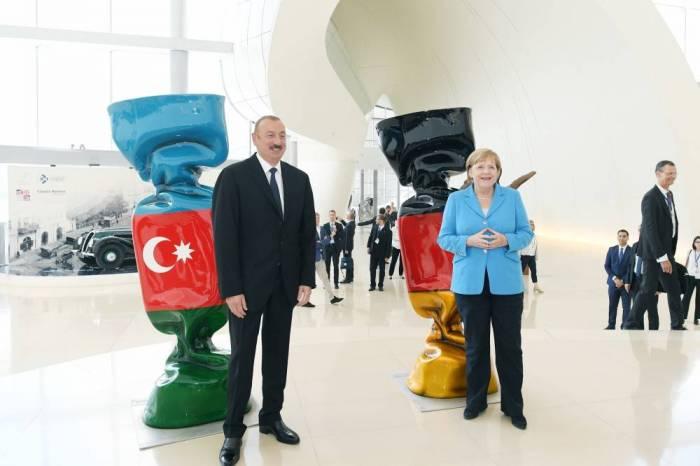 İlham Əliyev və Angela Merkel iş adamları ilə görüşüblər - FOTOLAR