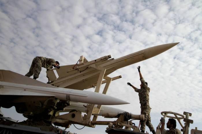 İran İraqda ballistik raketlər yerləşdirib