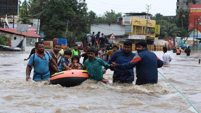 Inondations/Inde : le premier ministre promet une aide accrue