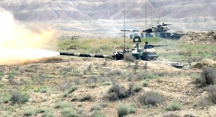 Tank bölmələrinin döyüş hazırlığı - FOTOLAR