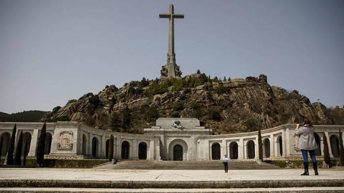 España: El Gobierno aprobará este viernes el decreto para la exhumación de Franco