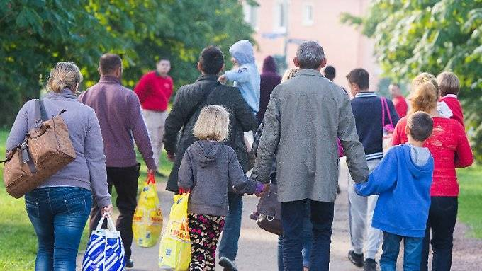Angriffe auf Flüchtlinge gehen leicht zurück