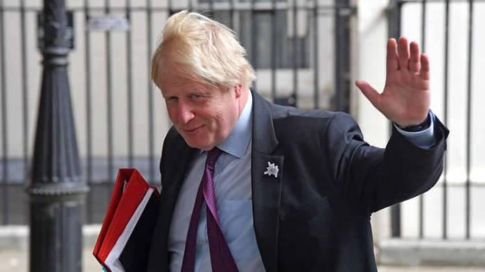 رغم استقالته.. تصرفات جونسون لا تزال عبئا على بريطانيا