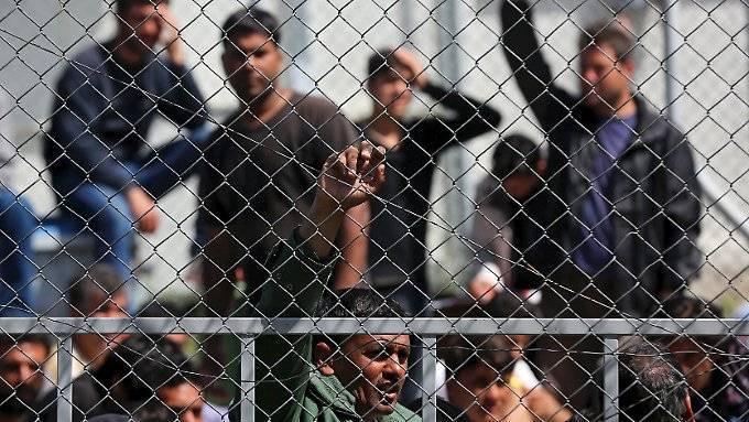 Flüchtlingsvereinbarung mit Griechenland steht