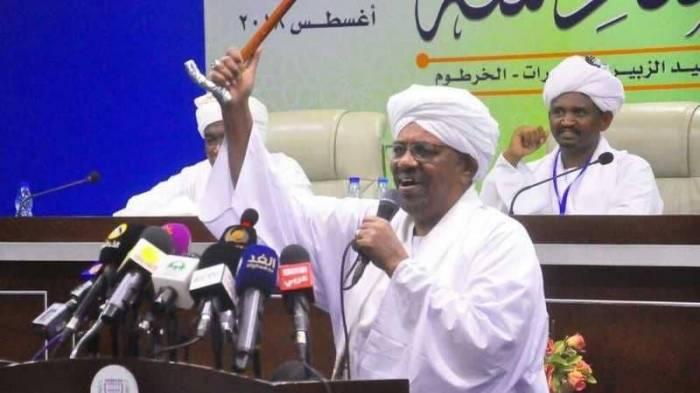 رسميا.. الحزب الحاكم يرشح البشير للرئاسة