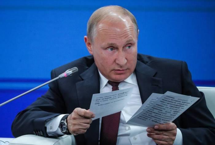 Putin etirazlara səbəb olan qanunu ilk dəfə şərh etdi