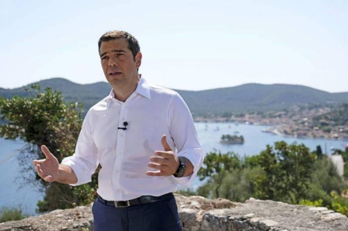 8 illik əzab bitdi - Yunanıstan maliyyə azadlığına qovuşdu