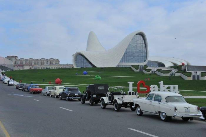 Azerbaijan Automobile Federation organizing parade of classic cars