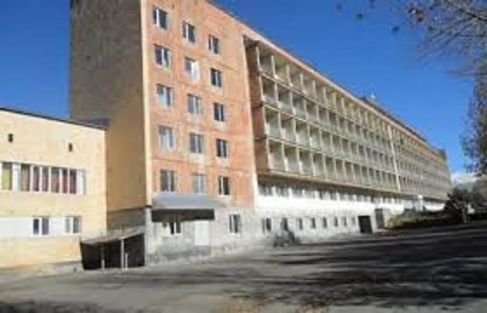 Ermənistanda bomba həyəcanı - Nazirliyin binası boşaldılır