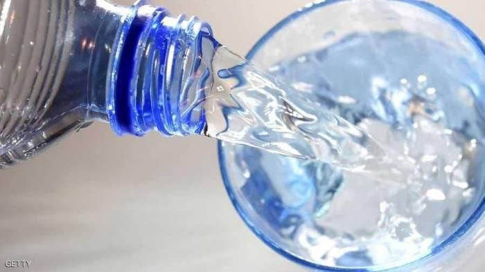 قد تصل للموت.. أضرار خطيرة للمبالغة في شرب الماء