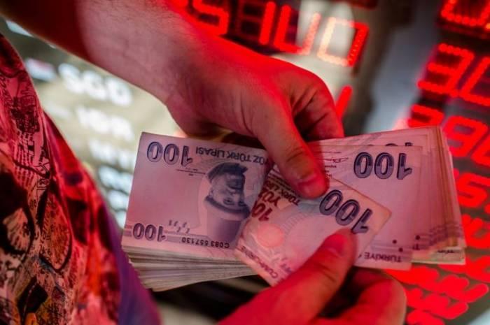 La lira turca se desploma y toca un nuevo mínimo