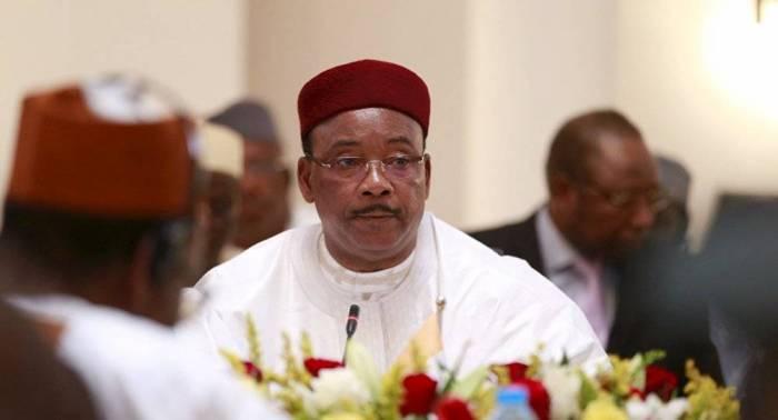 Merkel agradece al presidente de Níger su contribución en la lucha contra migración