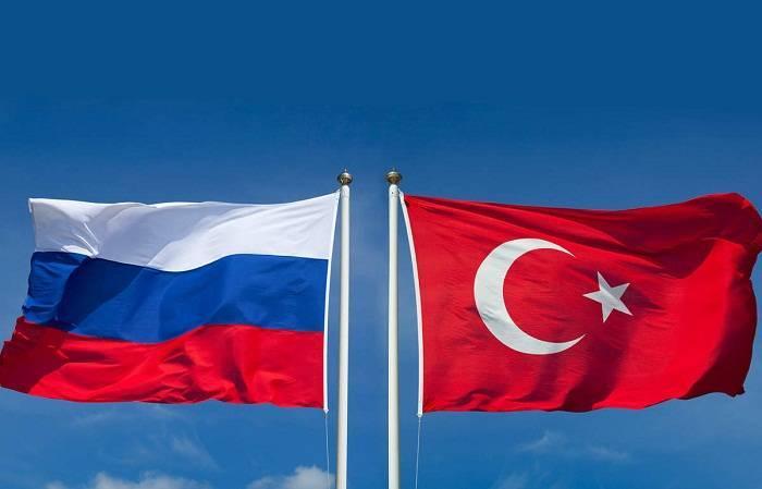 La Russie supprime les visas pour les entrepreneurs turcs