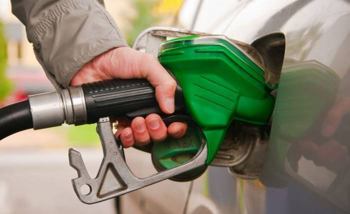 """""""Premium"""" benzin bahalaşdı"""